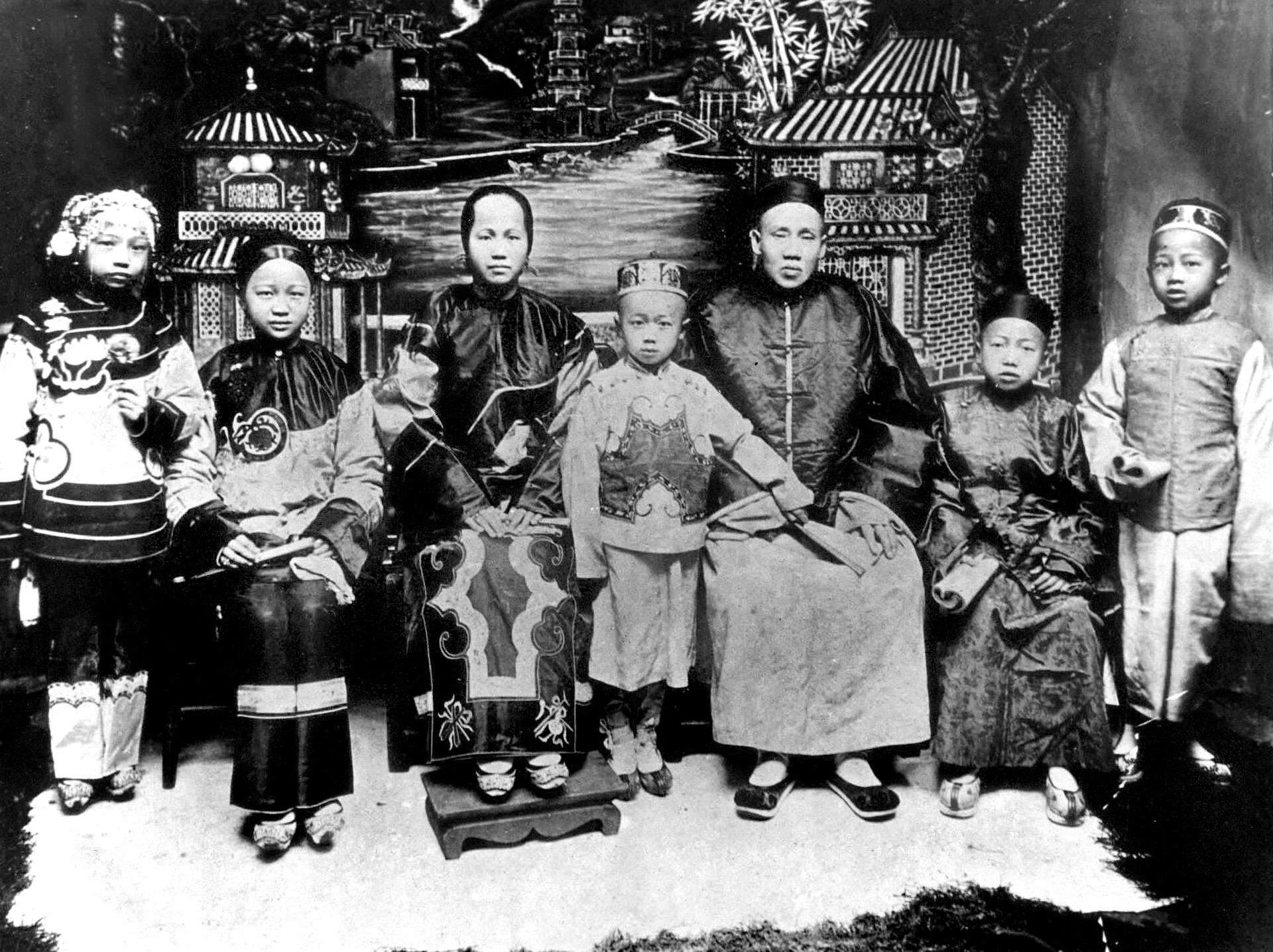 Photo of family of Hung Lai Wah