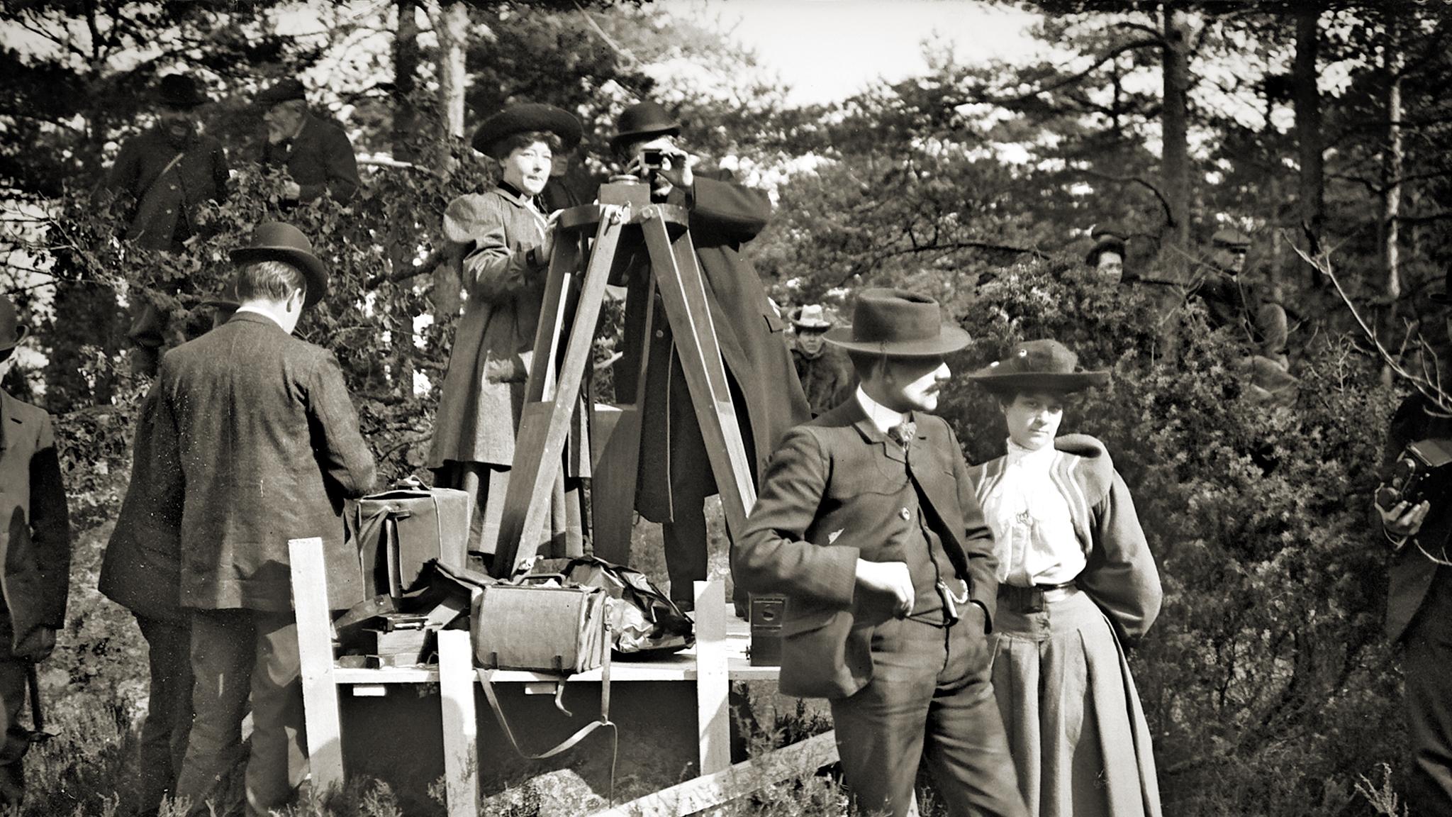 Alice directing