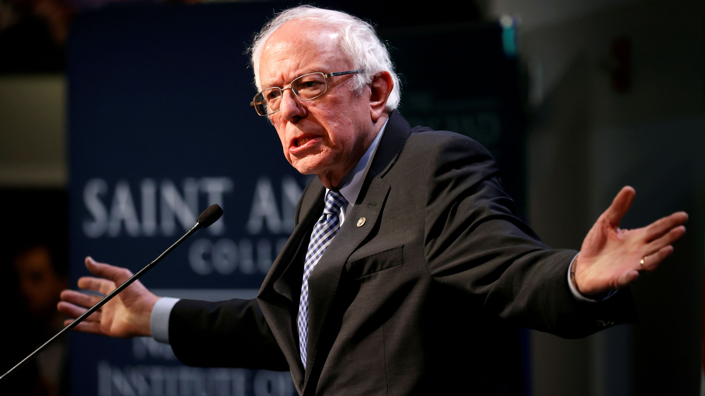Dem.USpresidentialcandidate Sen.Bernie Sanders speaks at the Politics and Eggs event at the New Hampshire Institute of Politics at Saint Anselm College in Manchester.