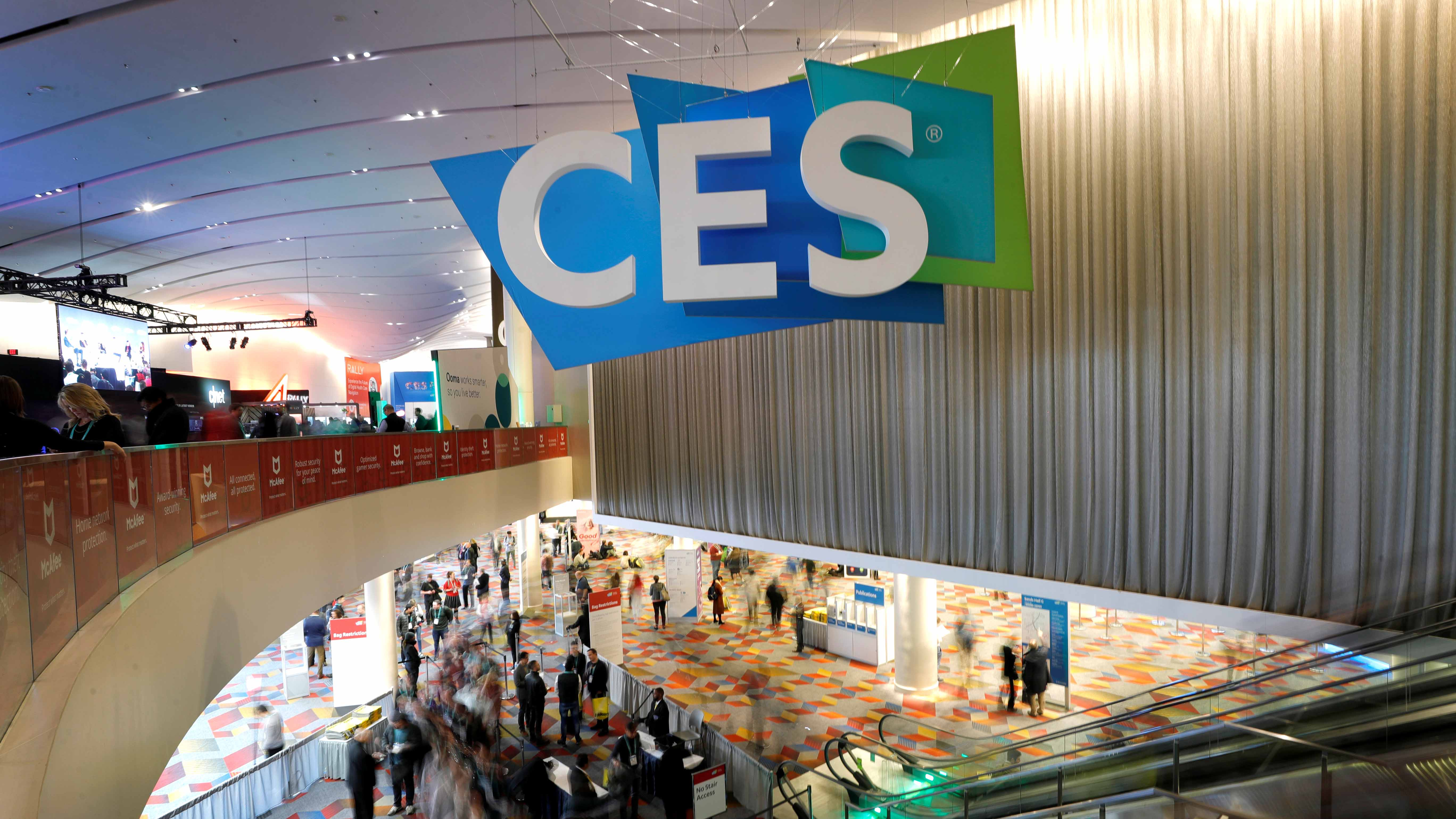Attendees head into the Sands Expo and Convention Center during the 2020 CES in Las Vegas, Nevada, on Jan. 7, 2020.