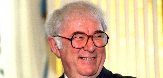 seamus heaney an irish airman essay Seamus heaney - biographical  and by another move from belfast to the irish republic where heaney has made his home,  the essays in heaney's three.