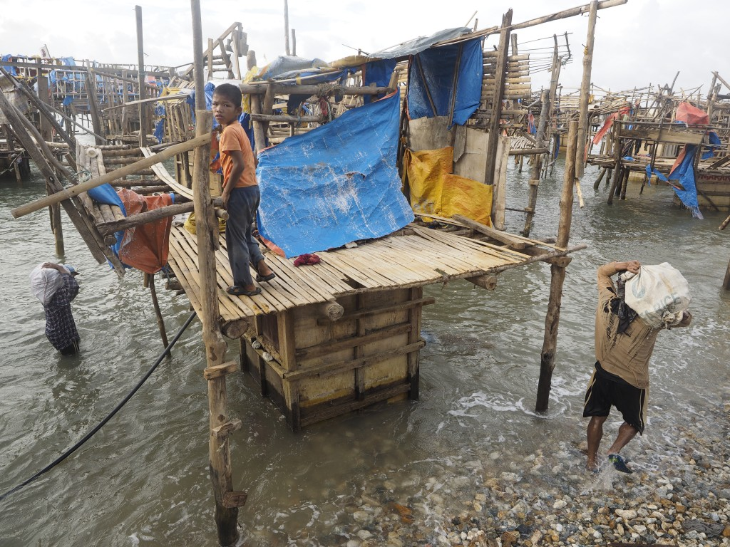 in the philippines underwater gold mining comes with small