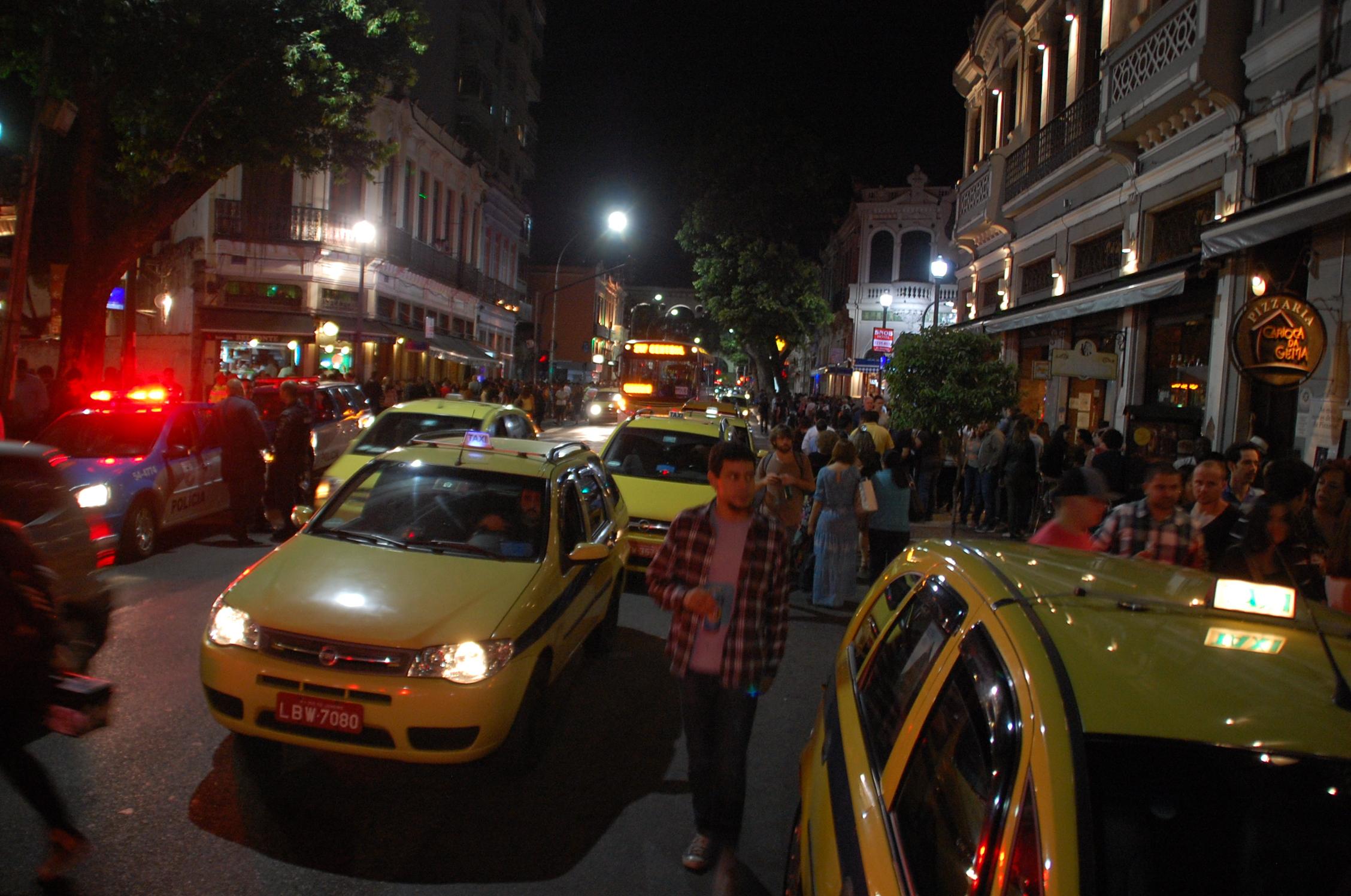 Rio de janeiro is a city rich with musical traditions for Miroir nightclub rio