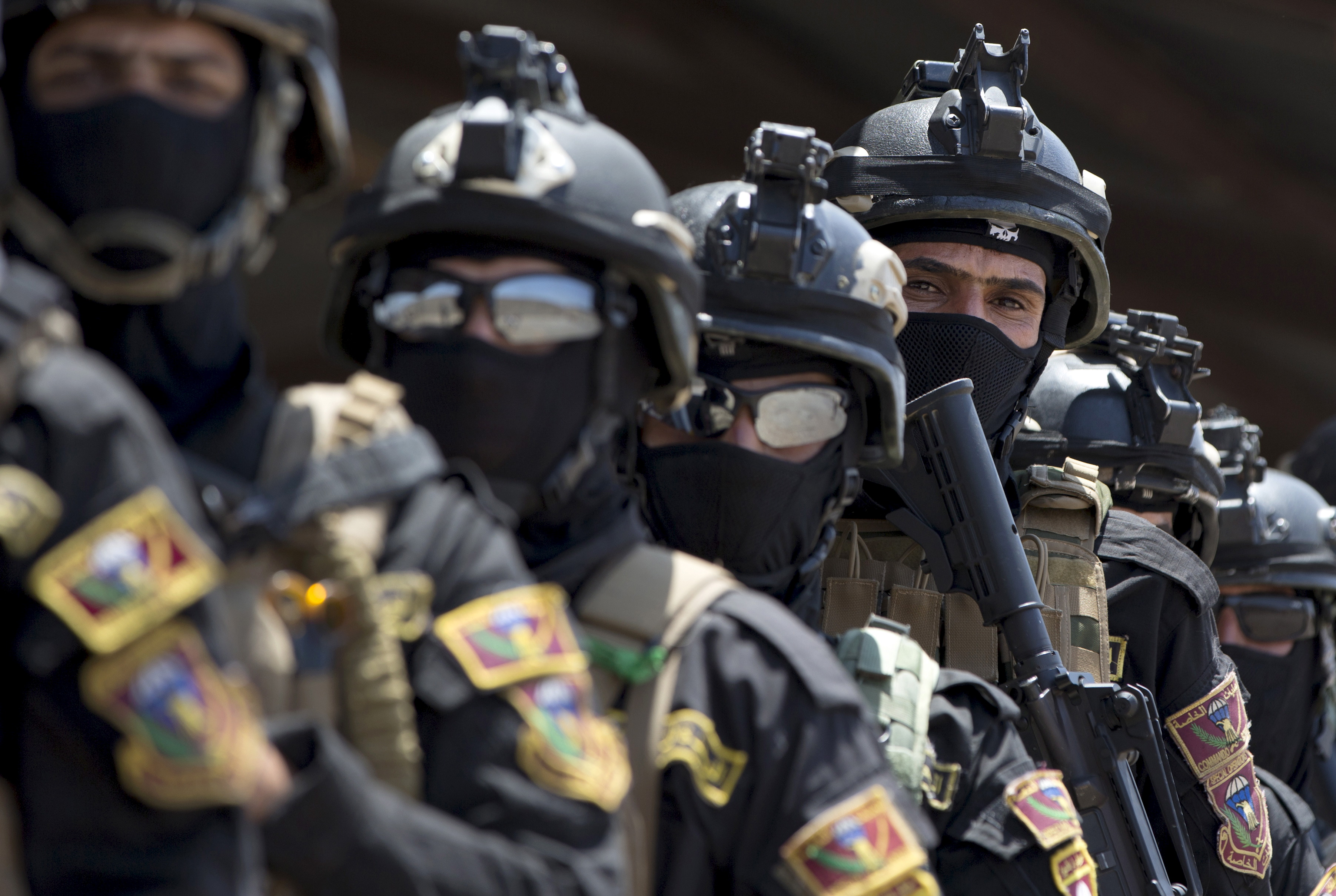 The Iraqi Counter Terrorism Service forces participate in a training exercise as U.S. Defense Secretary Ash Carter observes at the Iraqi Counter Terrorism Service Academy on the Baghdad Airport Complex in Baghdad, Iraq, July 23, 2015.
