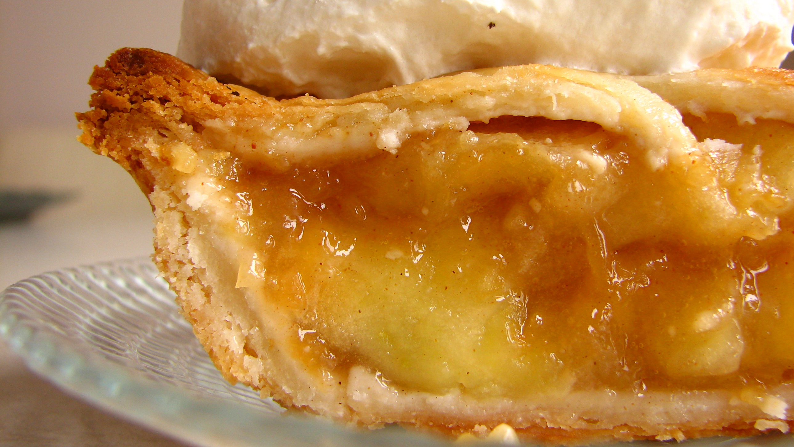 That 'American' apple pie actually goes back to Europe in the Middle ...