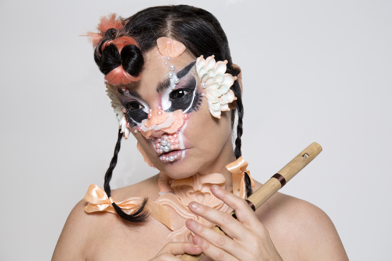 A-side B-side: Björk, Lullabies and in-between feelings