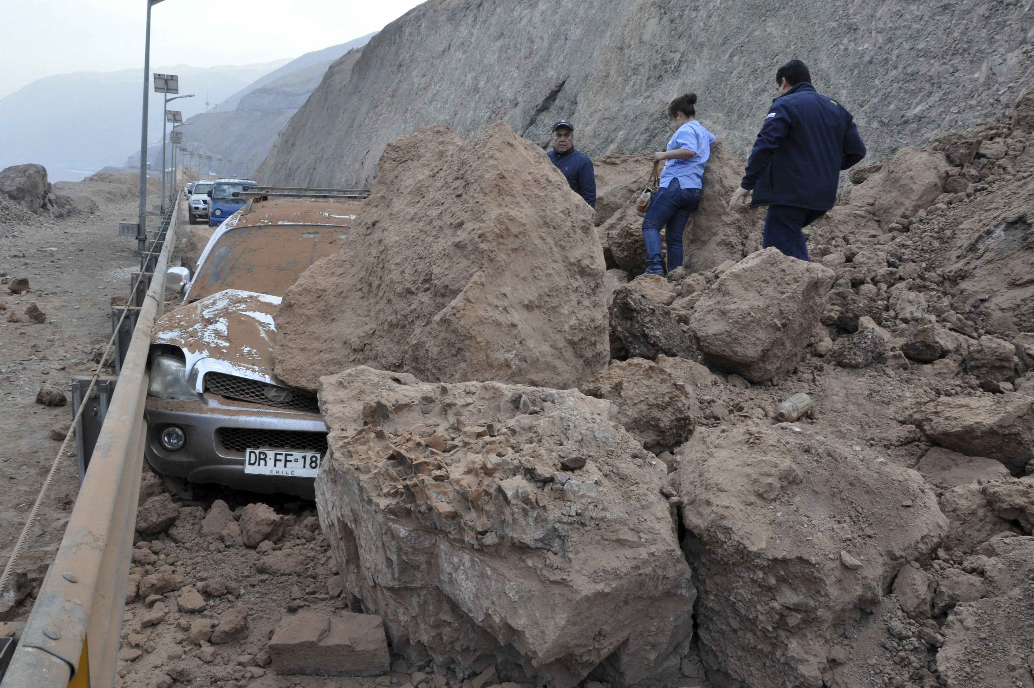 chiles earthquake On 16 sep 2015, a catastrophic earthquake hit the coast of chile, causing some  damage to buildings, but much of the impact due to 45m waves affecting.