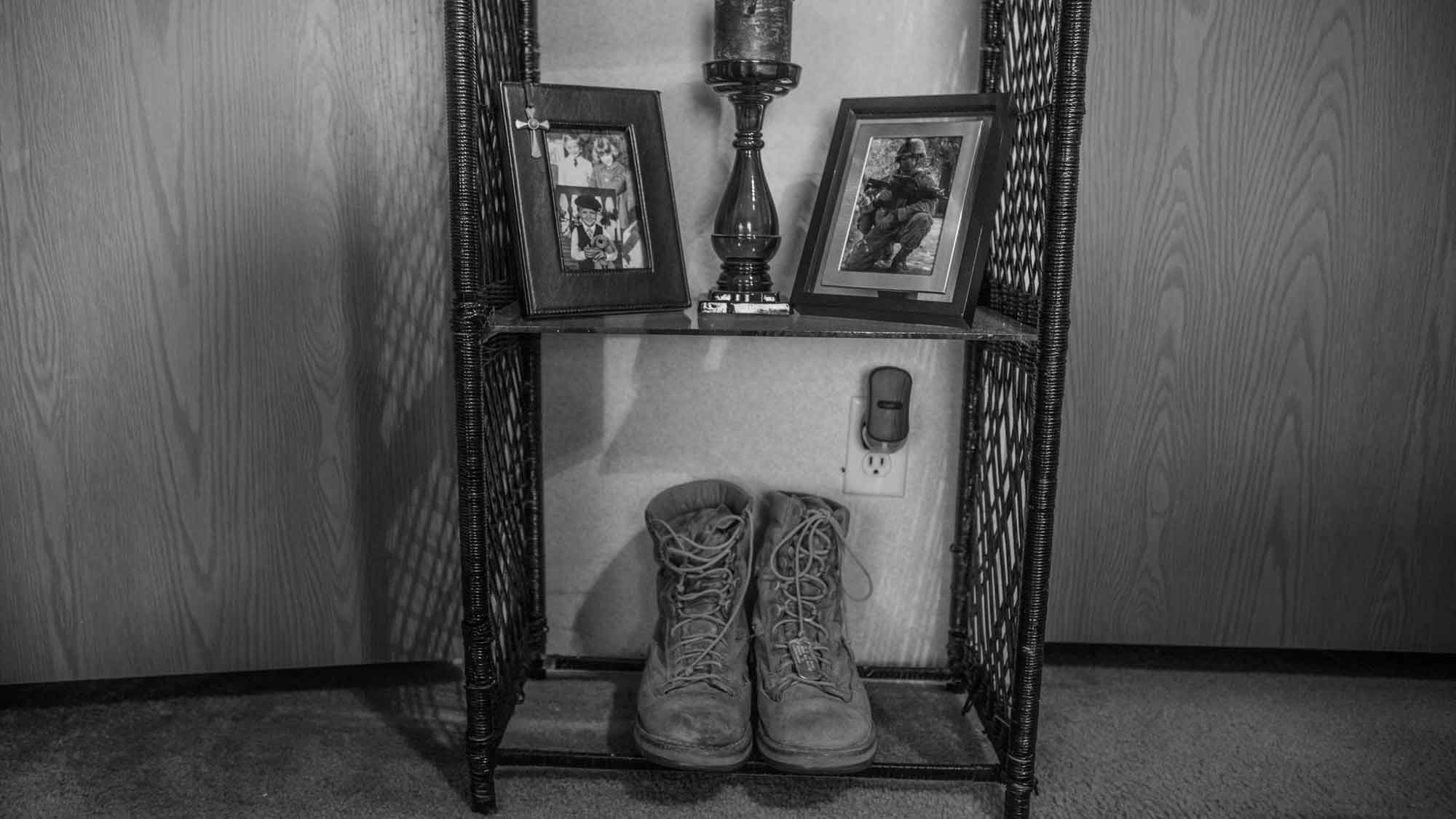 the things they carried war photographer marks last steps of vets loce08 feature jpg