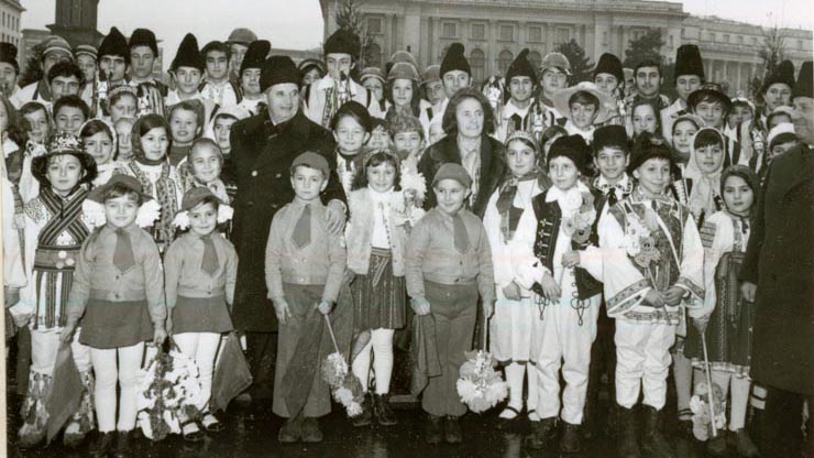 A group of children from a Romanian orphanage give New Year greetings to dictator Nicolae Ceausescu and his wife on Dec. 30, 1977.