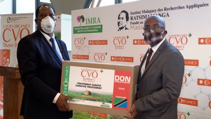 Palamagamba Kabudi, Tanzania's Foreign Minister receives a package from his Madagascar counterpart Tehindrazanarivelo Djacoba of the COVID Organics