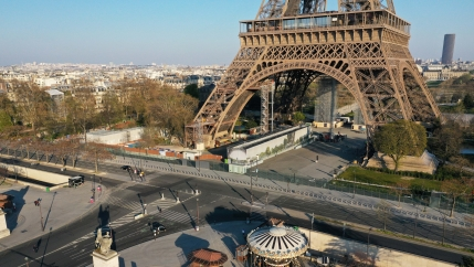 An aerial view shows the deserted Eiffel tower in Paris during a lockdown imposed to slow the spread of the coronavirus disease (COVID-19) in France, April 1, 2020.