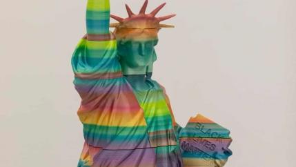 The statueby Hungarian artist Péter Szalay shows solidarity withBlack Lives Matter.