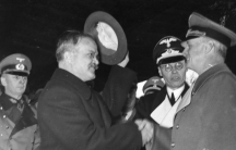 The Soviet foreign minister, Vyacheslav Molotov, saying farewell to his German counterpart, Joachim von Ribbentrop (right), after a visit to Berlin during the Nazi-Soviet alliance that lasted from 1939 to 1941.