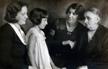 Hana, as a young girl in Prague, is surrounded by her mother, grandmother and great grandmother