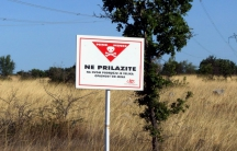 Croatian mine warning field