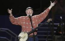 Musician Pete Seeger sings Amazing Grace during a concert celebrating his 90th birthday in New York May 3, 2009.