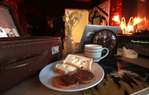 The coffee, toast and biscuits are free at Ziferblat Cafe. You pay for the time spent there.