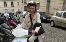 The author tries out CityScoot