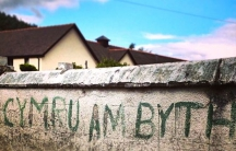 Graffiti in the Welsh town of Machynlleth. Translation: Wales forever.