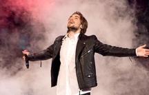 Kevin Walker performing on Idol Sverige 2013