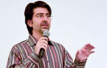Tech billionaire Pierre Omidyar has announced plans to fund a media venture to promote serious journalism.