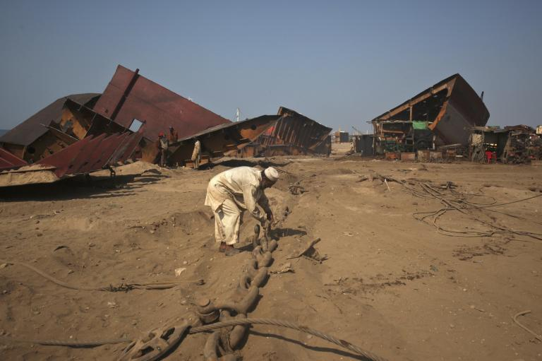 Europeans push to bring dirty and hazardous ship-breaking