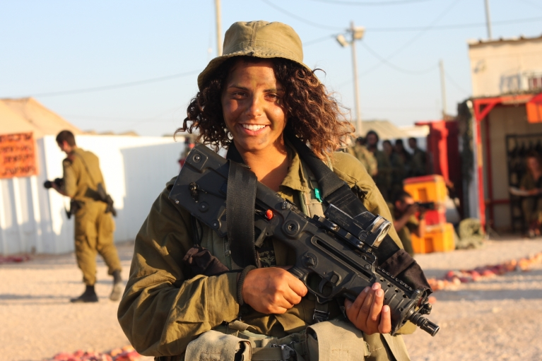 should women serve in combat units With the repeal of the ban on women serving in combat units, some have  questioned  should women be barred from combat positions.
