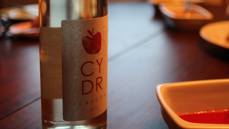 A bottle of Ignacow Cydr.