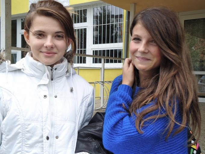 Two ninth-grade non-Roma students leave Šarišské Michaľany for the day.