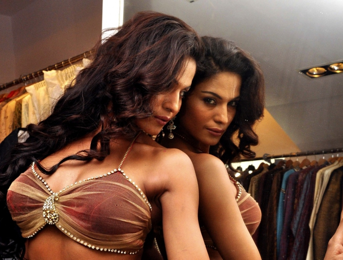 Pakistani Actress Veena Malik FHM Magazine Photo shoot