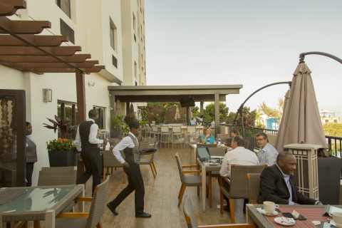 Guests enjoy outdoor dining at the Best Western Premier.