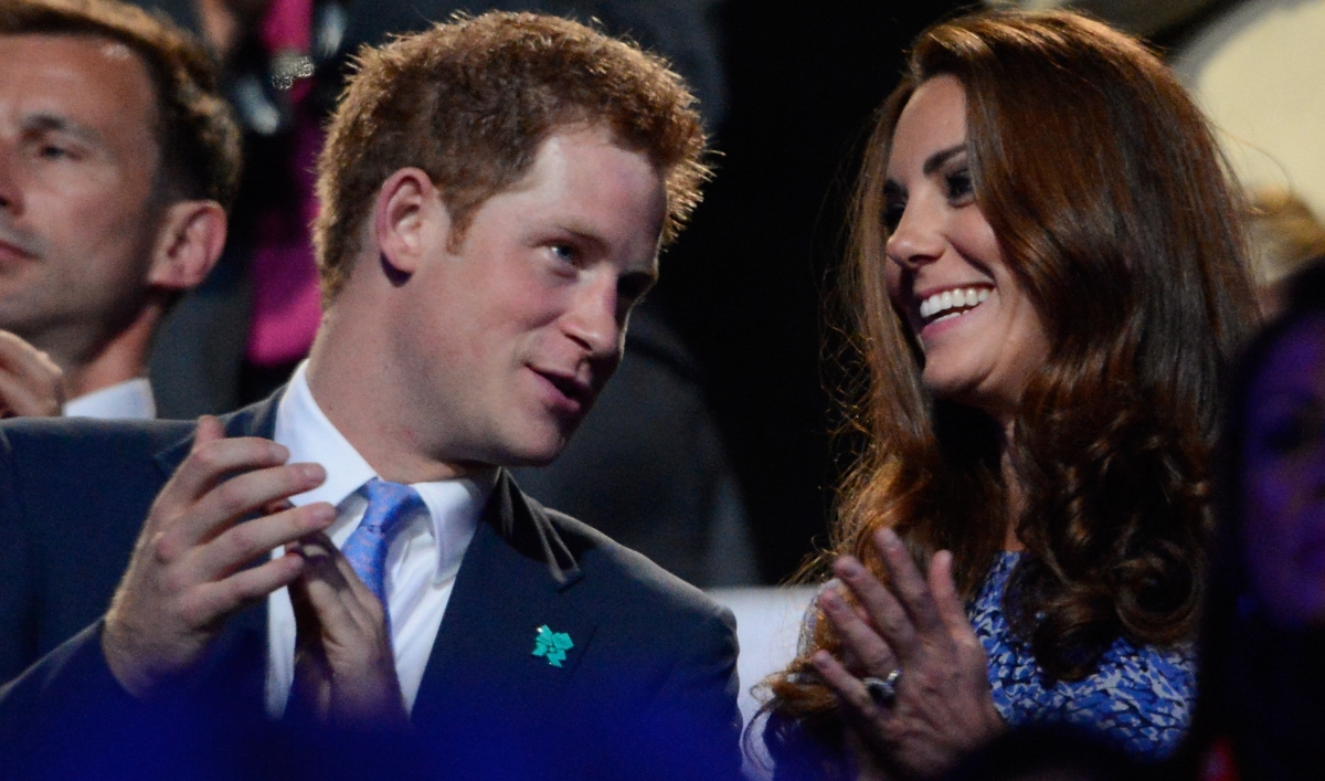 Support Prince Harry with a naked salute: October 2012