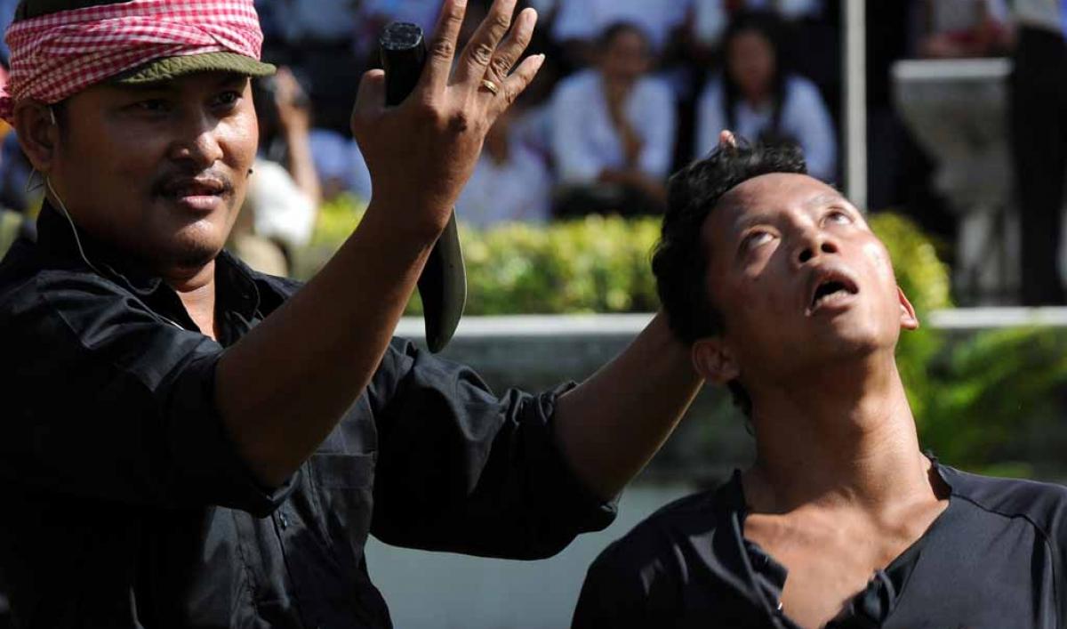 Khmer Rouge Tribunal Nearly Broke Risks Collapse Public