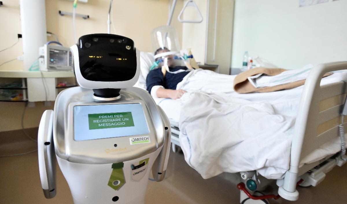 Robot nurse helps Italian doctors care for COVID-19 patients
