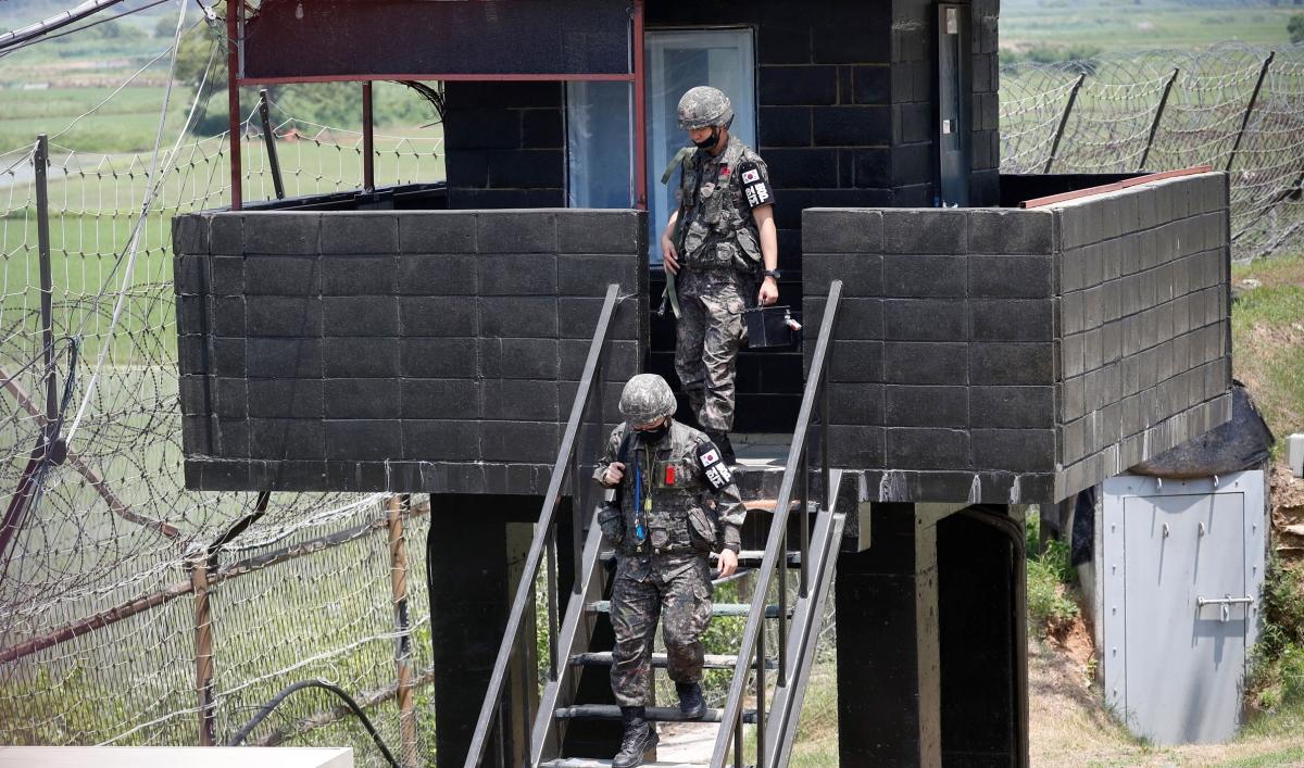 North Korea destroys liaison office on border with South