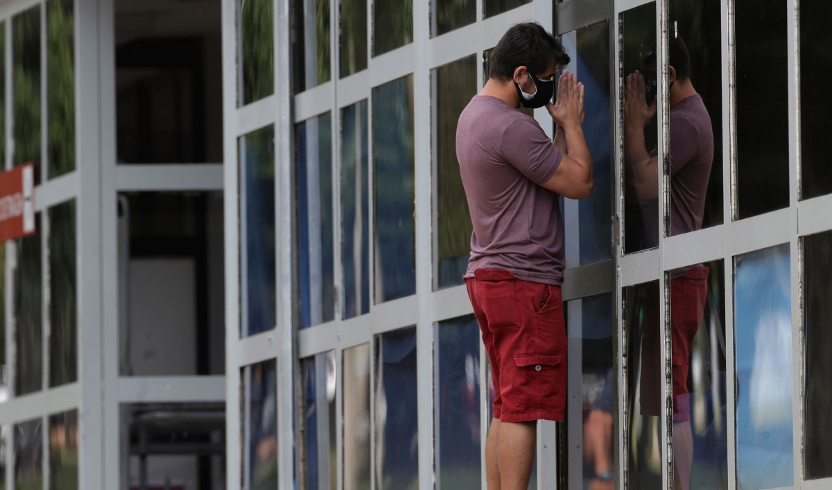 Brazil reports record death toll from COVID-19 as hospitals overwhelmed