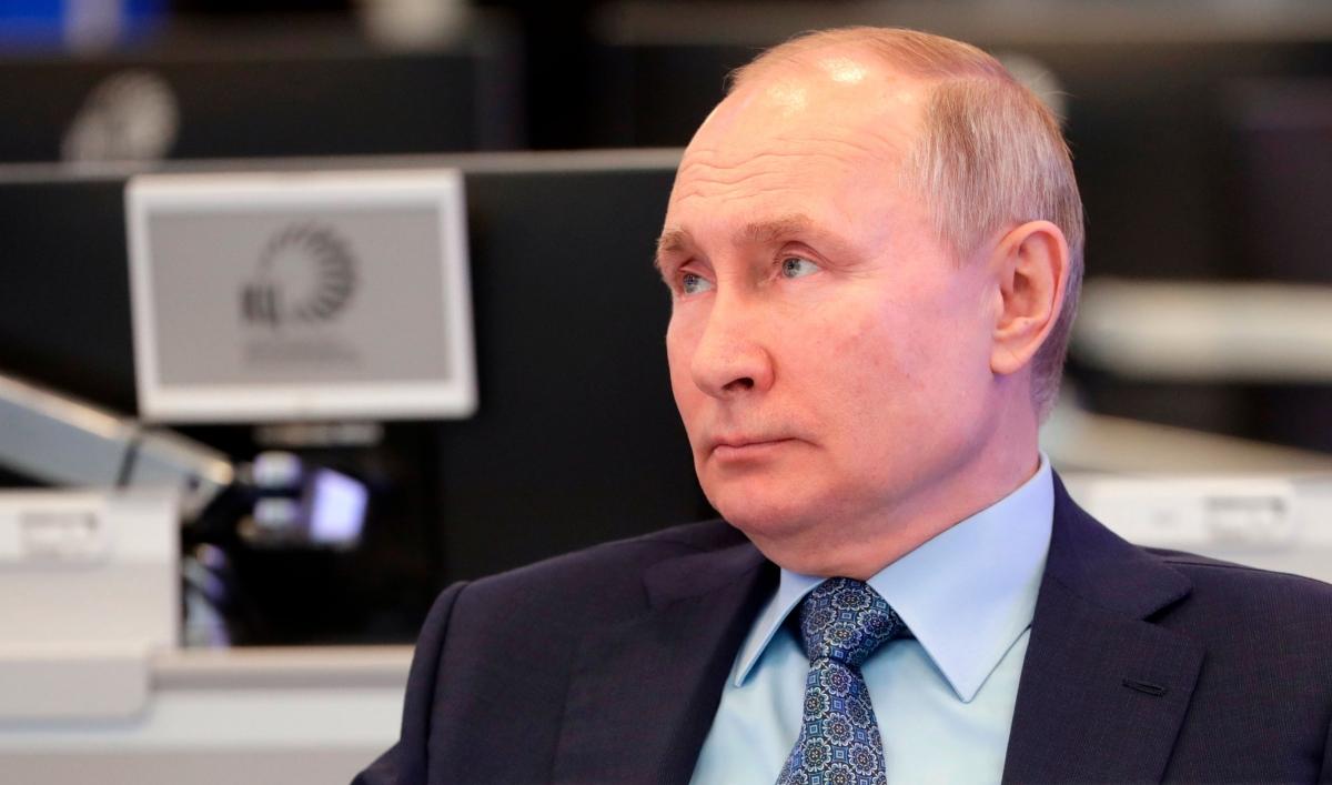 Biden administration levels stiff new sanctions against Russia