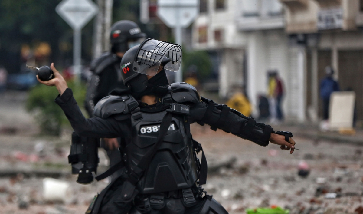 UN human rights office 'deeply alarmed' over police violence in Colombia
