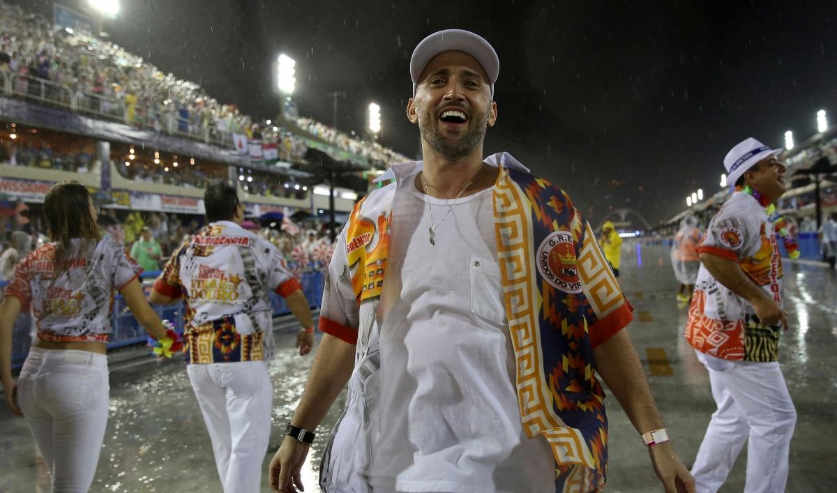 Brazilian comedian's COVID-19 death unites nation in grief