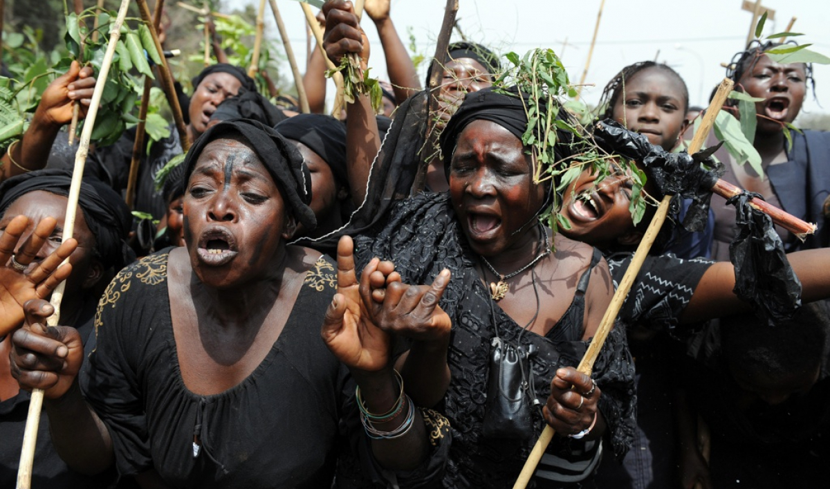 ethnic and religious conflict in nigeria 2 essay Keywords-armed conflicts, ethnic conflicts, human rights violations, religious conflicts, and women's rights introduction the frequency of conflicts leading to violence and extensive destruction of lives and property especially since the early 80s in many countries of the world can, without exaggeration, be traced to many factors.