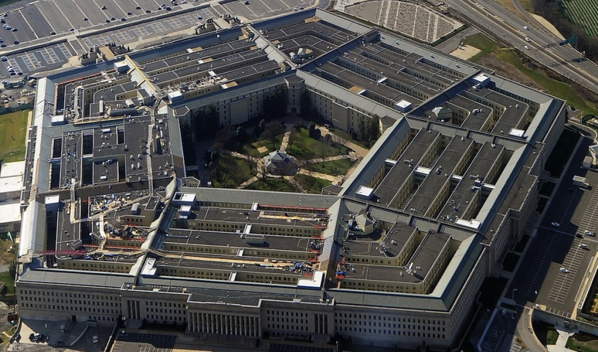 pentagon approves iphone apple products for military use
