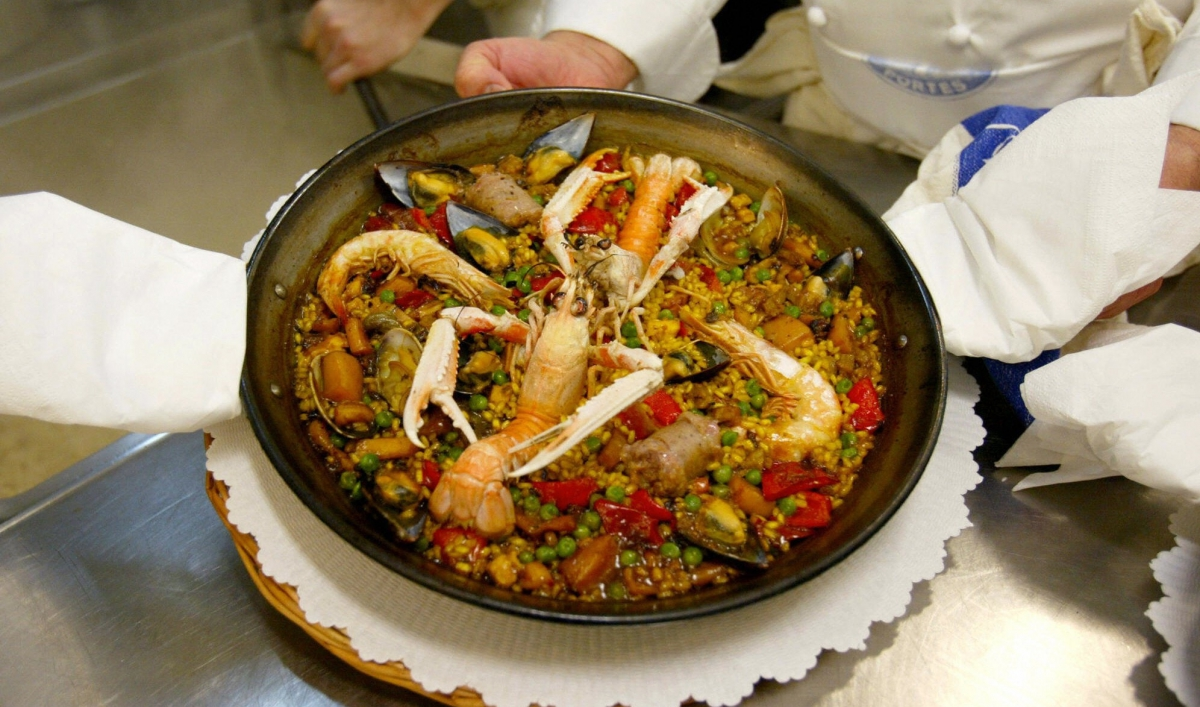 Jamie Oliver Knows Absolutely Nothing About Paella The World From Prx