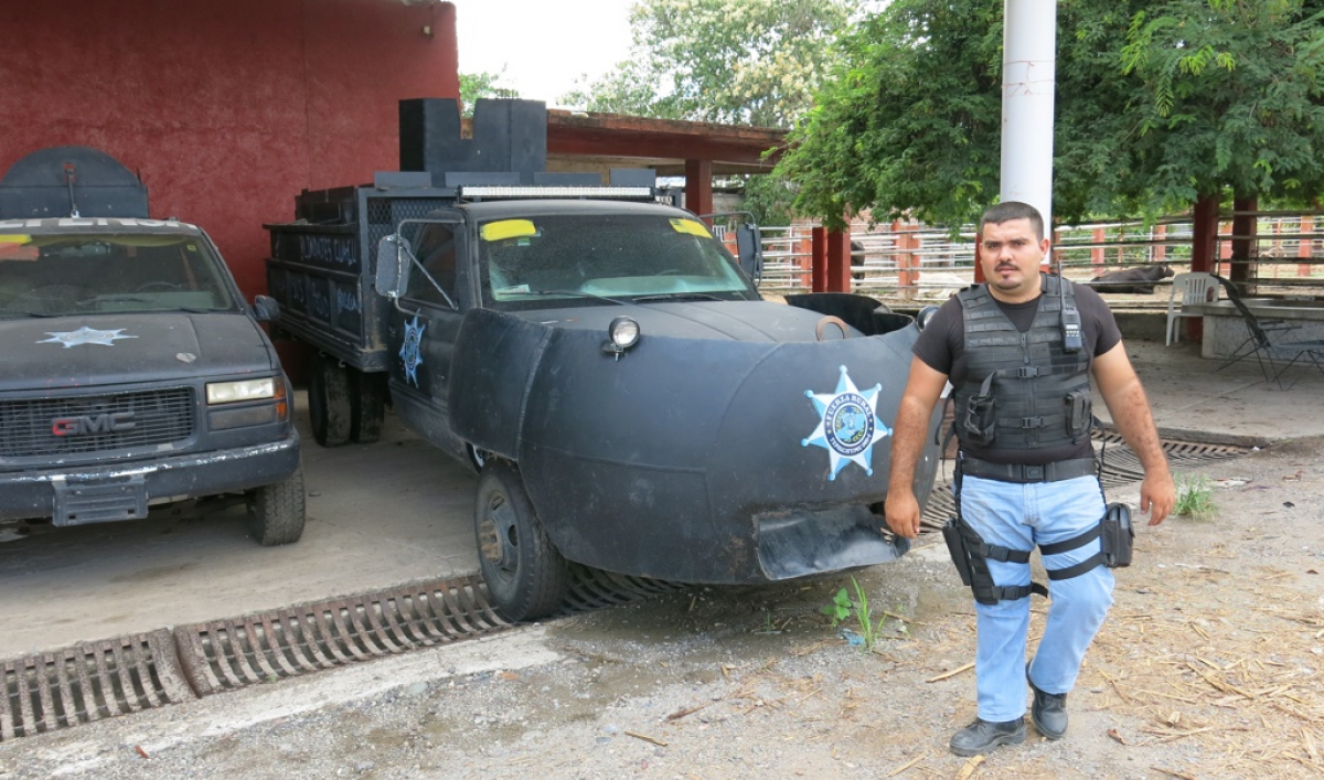 Mexico S Vigilantes Are Building Scrappy Diy Tanks To Fight Narcos