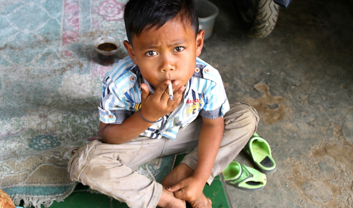 The Number Of Children Smoking In Indonesia Is Getting Out Of Control The World From Prx