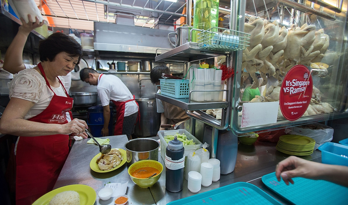 If you want to try Singapore's famous street food, you'd best make your trip now  Public Radio