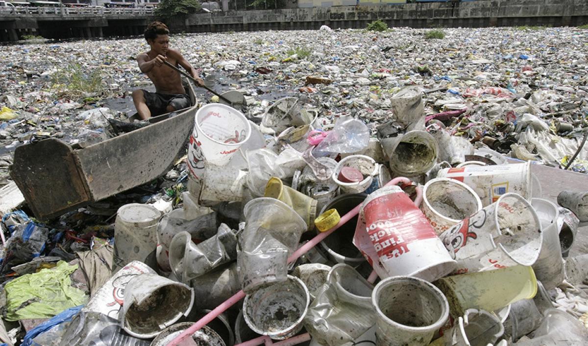 https://media.pri.org/s3fs-public/styles/open_graph/public/plastic-waste-river-cropped.jpg?itok=1f9hW0Da