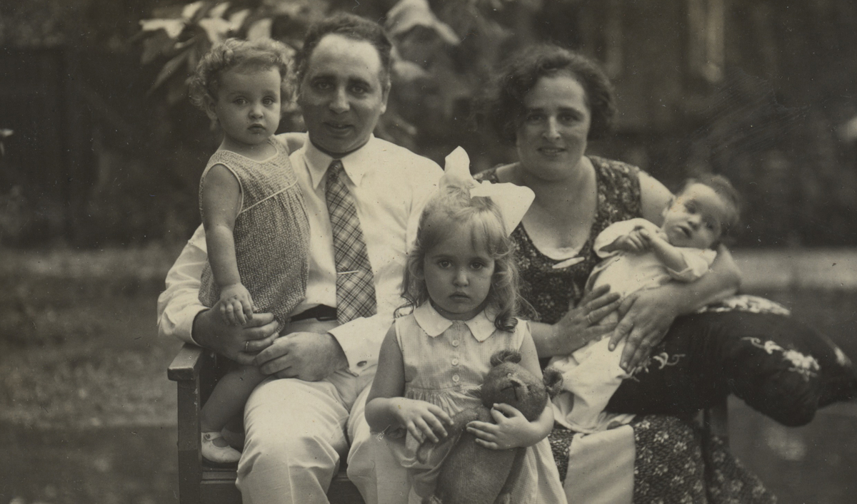 This Jewish Couple Survived The Holocaust Hidden Behind A