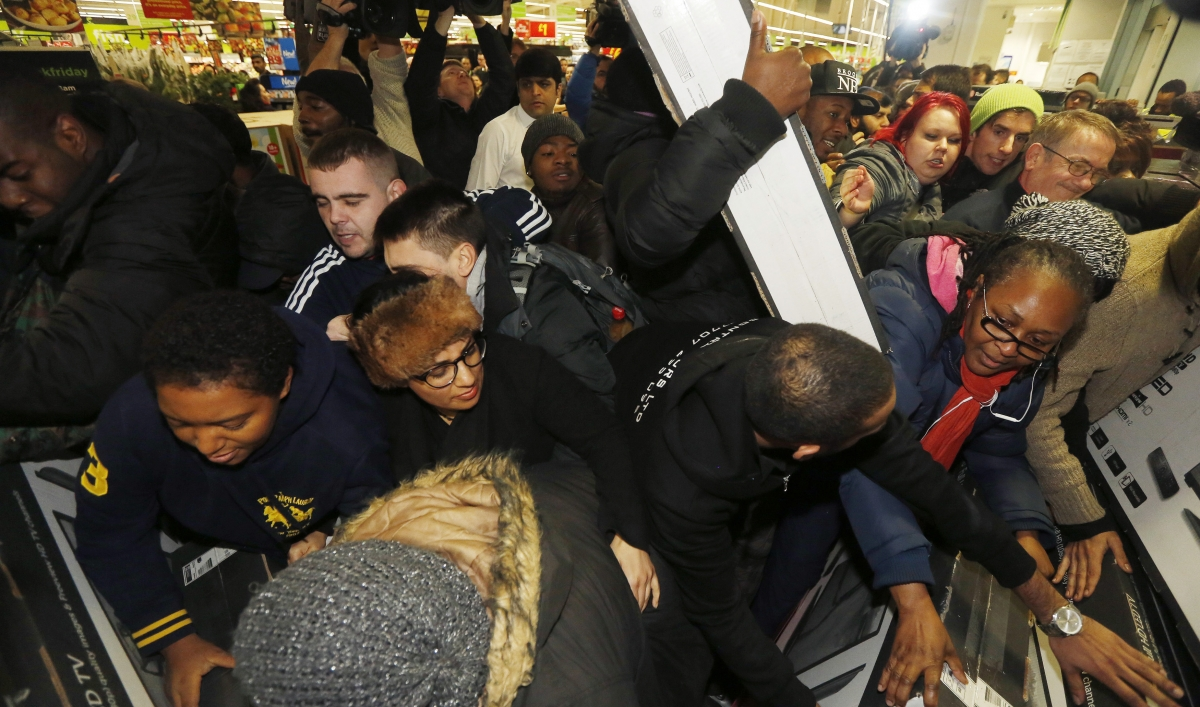 Black Friday Shopping Has Long Been A Post Thanksgiving Tradition In The Us Now Other Countries Like Britain And Canada Have Adopted The American Day Of Bargain Hunting