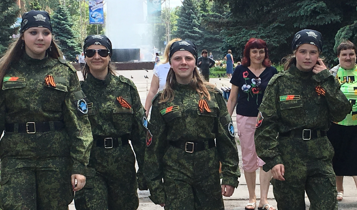 reviving soviet style youth squads in the self declared people s