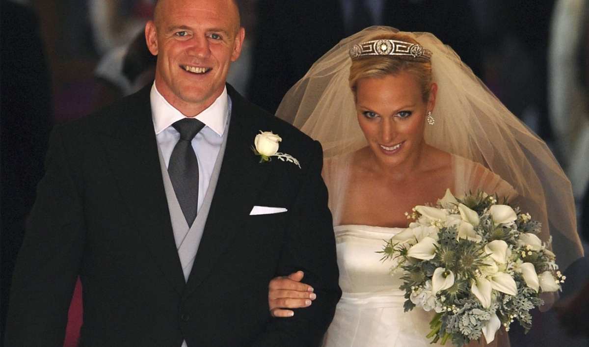 Zara Phillips weds Mike Tindall in low-key royal wedding ...
